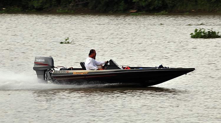 เทคนิคการขับเรือ Bassboat | Thai Boat Club