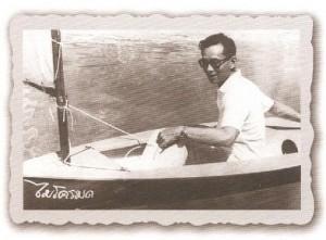 เรารักในหลวง พระราชประวัติย่อเกี่ยวกับการทรงแข่งขันเรือใบ | Thai Boat Club